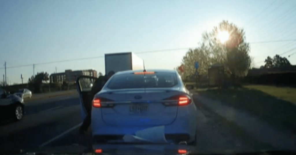 Naked Woman Dancing On Truck Stops Houston Traffic